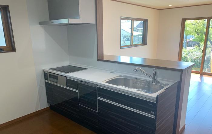 タカラスタンダード製のキッチン、食洗機も付けられました