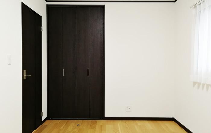 各部屋に収納スペースがあります