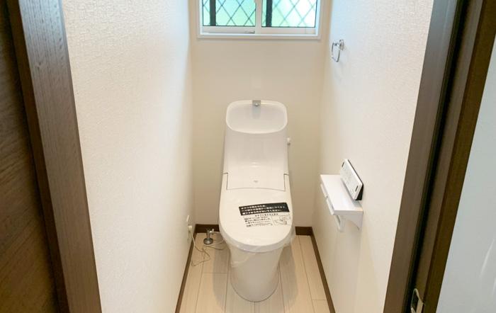 節水タイプのリクシル製トイレ